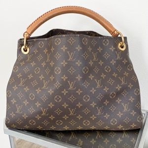 Louis Vuitton Artsy MM Bag